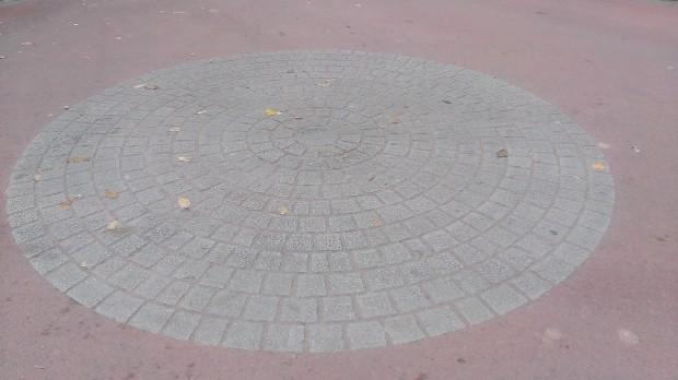 Hastière Rond point Rocstyle - intact après 4 ans